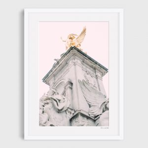 photograph Queen Victoria Memorial - Golden Queen